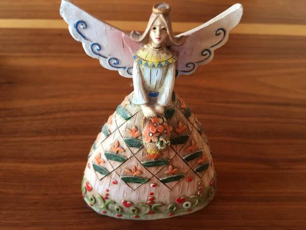 フランスはモン・サン・ミシェル土産の木彫の天使ちゃん。愛らしさに乙女心がうっとり♡